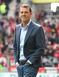 02.04.2016, Coface Arena, Mainz, GER, 1. FBL, 1. FSV Mainz 05 vs FC Augsburg, 28. Runde, im Bild Markus Weinzierl (Trainer / FC Augsburg) // during the German Bundesliga 28th round match between 1. FSV Mainz 05 and FC Augsburg at the Coface Arena in Mainz, Germany on 2016/04/02. EXPA Pictures © 2016, PhotoCredit: EXPA/ Eibner-Pressefoto/ Neis<br /> <br /> *****ATTENTION - OUT of GER*****