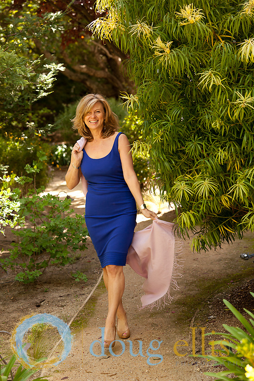 Outdoor portraits in Carmel, CA. Diane Danvers Simmons.