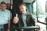 24 JUN 2000, MUENSTER/GERMANY:<br /> Jürgen Trittin, B90/Grüne, Bundesumweltminister, am Steuer eines Busses für den Öffentlichen Personen Nahverkehr mit umweltfreundlichem Antrieb, während der Bundesdelegiertenkonferenz, Halle Münsterland<br /> IMAGE: 20000624-01/03-23<br /> KEYWORDS: Parteitag