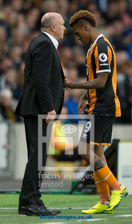 Hull City manager Mike Phelan (left) shakes the hand of Abel Hernandez as he is substituted during the Premier League match at the KCOM Stadium, Hull<br /> Picture by Russell Hart/Focus Images Ltd 07791 688 420<br /> 17/09/2016