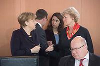 17 FEB 2016, BERLIN/GERMANY:<br /> Angela Merkel (L), CDU, Bundeskanzlerin, und Monika Gruetters (R), CDU, Kulturstaatsministerin im Bundeskanzleramt, im Gespraech, vor Beginn der Kabinettsitzung, Bundeskanzleramt<br /> IMAGE: 20160217-01-014<br /> KEYWORDS: Kabinett, Sitzung, Gespr&auml;ch, Monika Gr&uuml;tters