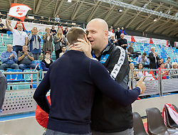 02.11.2016, Arena Nova, Wiener Neustadt, AUT, EHF, Handball EM Qualifikation, Österreich vs Finnland, Gruppe 3, im Bild Vytautas Ziura (AUT), Trainer Patrekur Johannesson (AUT)// during the EHF Handball European Championship 2018, Group 3, Qualifier Match between Austria and Finland at the Arena Nova, Wiener Neustadt, Austria on 2016/11/02. EXPA Pictures © 2016, PhotoCredit: EXPA/ Sebastian Pucher