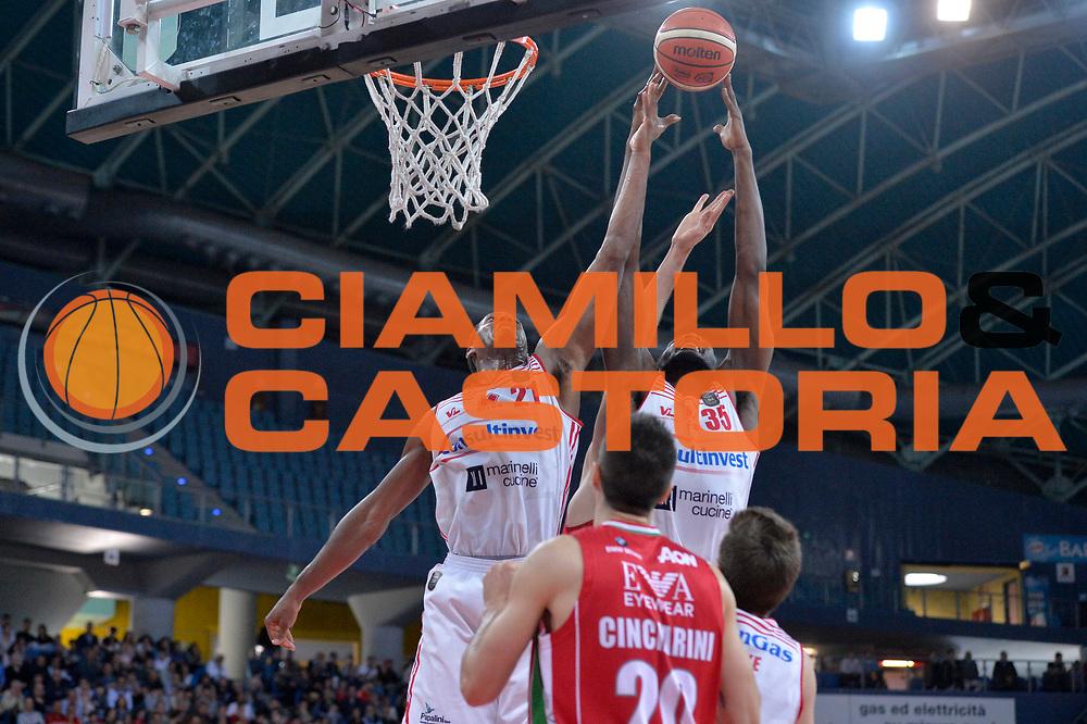 Jarrod Jones, Landry Nnoko<br /> Consultinvest Victoria Libertas Pesaro - EA7 Emporio Armani Olimpia MIlano<br /> Lega Basket Serie A 2016/2017<br /> Pesaro, 30/04/2017<br /> Foto M.Ceretti / Ciamillo - Castoria
