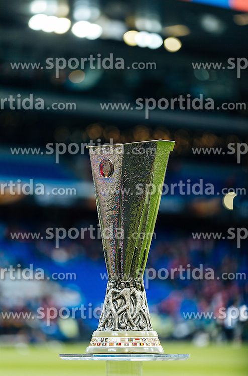 18.05.2016, St. Jakob Park, Basel, SUI, UEFA EL, FC Liverpool vs Sevilla FC, Finale, im Bild UEFA Europaleague Pokal // UEFA Europaleague Trophy during the Final Match of the UEFA Europaleague between FC Liverpool and Sevilla FC at the St. Jakob Park in Basel, Switzerland on 2016/05/18. EXPA Pictures © 2016, PhotoCredit: EXPA/ JFK