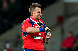 Referee Nigel Owens appears to struggle opening a bottle of water - Mandatory by-line: Robbie Stephenson/JMP - 04/11/2017 - RUGBY - Twickenham Stadium - London,  - Barbarians v All Blacks - Killik Cup