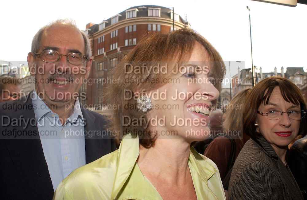 Tom Bower and Veronica Wadley. Billy Elliot- The Musical opening night at the Victoria palace theatre and party afterwards at Pacha, London. 12 May 2005. ONE TIME USE ONLY - DO NOT ARCHIVE  © Copyright Photograph by Dafydd Jones 66 Stockwell Park Rd. London SW9 0DA Tel 020 7733 0108 www.dafjones.com