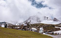 THEMENBILD - Blick auf den Gipfel und Gletscher am Kitzsteinhorn, aufgenommen am 16. Juli 2019 in Kaprun, Österreich // View of the summit and glacier at the Kitzsteinhorn, Kaprun, Austria on 2019/07/16. EXPA Pictures © 2019, PhotoCredit: EXPA/ JFK