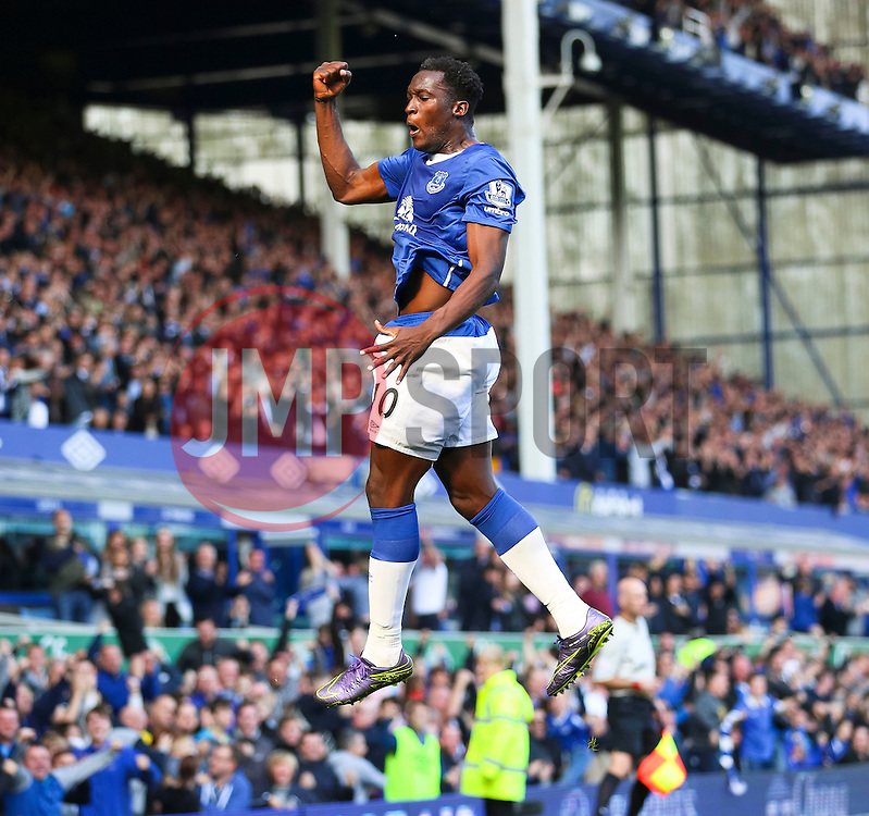 Everton's Romelu Lukaku celebrates after scoring the equalising goal to make it 1-1  - Mandatory byline: Matt McNulty/JMP - 07966 386802 - 04/10/2015 - FOOTBALL - Goodison Park - Liverpool, England - Everton  v Liverpool - Barclays Premier League