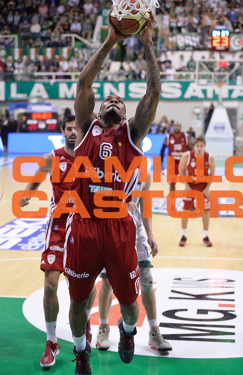 DESCRIZIONE : Siena Lega Serie A 2013/14 Supercoppa 2013 Montepaschi Siena Cimberio Varese <br /> GIOCATORE : Aubrey Coleman<br /> CATEGORIA : tiro penetrazione<br /> SQUADRA : Cimberio Varese<br /> EVENTO : Supercoppa 2013<br /> GARA : Montepaschi Siena Cimberio Varese<br /> DATA : 08/10/2013<br /> SPORT : Pallacanestro <br /> AUTORE : Agenzia Ciamillo-Castoria/R. Morgano<br /> Galleria : Lega Basket A 2013-2014  <br /> Fotonotizia : Siena Lega Serie A 2013/14 Supercoppa 2013 Montepaschi Siena Cimberio Varese<br /> Predefinita :