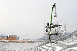 17.01.2013, Schladming, AUT, FIS Weltmeisterschaften Ski Alpin, Schladming 2013, Vorberichte, im Bild Bauarbeiten an der Zuschauertribüne am 17.01.2013 // building works at the visitors tribune on 2013/01/17, preview to the FIS Alpine World Ski Championships 2013 at Schladming, Austria on 2013/01/17. EXPA Pictures © 2013, PhotoCredit: EXPA/ Martin Huber