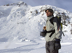 Justin Trudeau stands at the base of a mountain near the evidence of a controlled avalanche at Lake Louise, Alberta, Friday January 12, 2002. (CP PHOTO/Adrian Wyld) /ABACAPRESS.COM  | 521043_030 LAKE LOUISE Canada