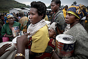 UN food distribution at the Bulengo IDP site in Goma, DRC, on Tuesday, Feb. 26, 2008.