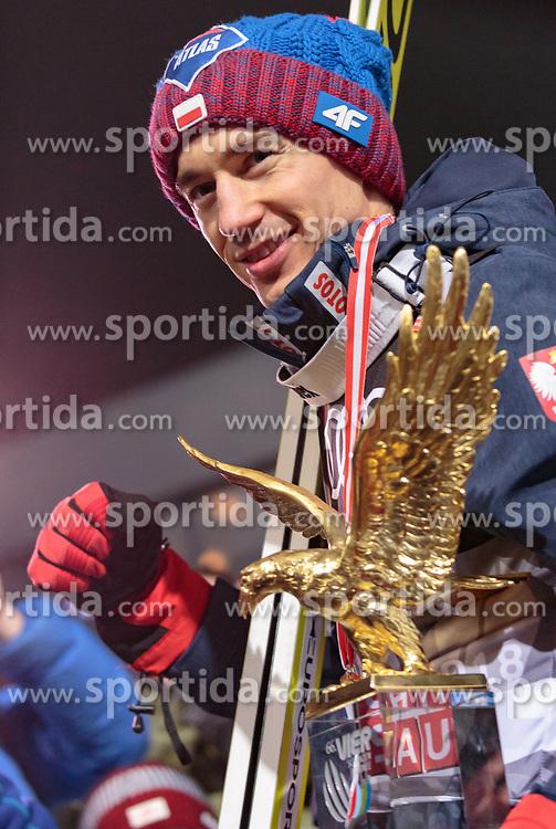 06.01.2018, Paul Außerleitner Schanze, Bischofshofen, AUT, FIS Weltcup Ski Sprung, Vierschanzentournee, Bischofshofen, Siegerehrung, im Bild Gesamt und Grand Slam Sieger Kamil Stoch (POL) // Overall and Grand Slam winner Kamil Stoch of Poland during the Winner Award Ceremony of the Four Hills Tournament of FIS Ski Jumping World Cup at the Paul Außerleitner Schanze in Bischofshofen, Austria on 2018/01/06. EXPA Pictures © 2018, PhotoCredit: EXPA/ Stefanie Oberhauser