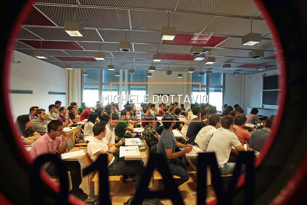 Campus Politecnico di Torino, nell'ex fabbrica della FIAT Mirafiori si tengono i corsi di ingegneria dell'autoveicolo.