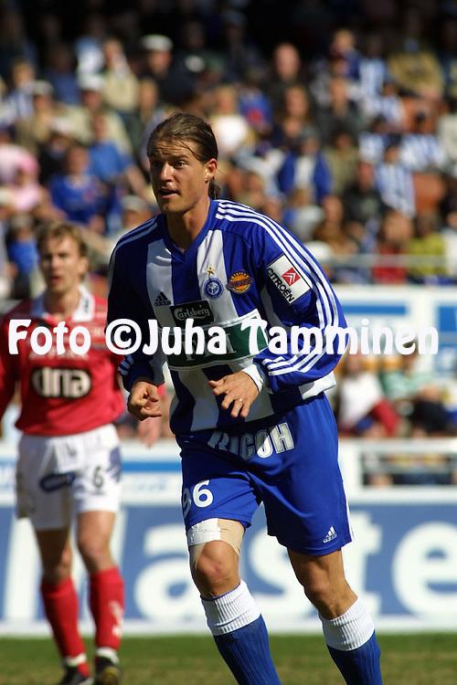 01.05.2002, Finnair Stadium, Helsinki, Finland..Veikkausliiga 2002 / Finnish League 2002..FC HJK Helsinki v FC Jazz Pori..Mika Lehkosuo - HJK.©Juha Tamminen