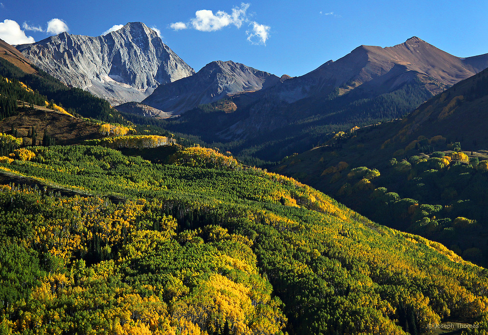 Colorado's fourth largest wilderness area, the Maroon Bells-Snowmass Wilderness encompasses some of the state's most breathtaking mountain splendor.
