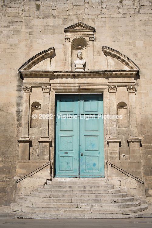 An entrance to a building in Arles.