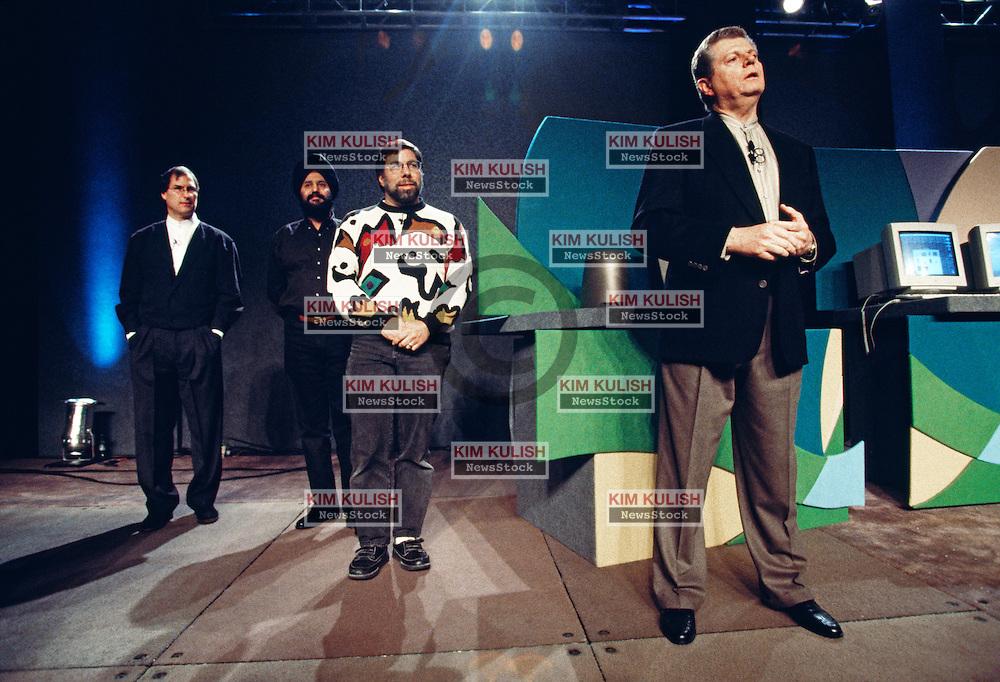 San Francisco - Macworld Expo - keynote speech. Gilbert Amelio, Steve Wozniak, Steve Jobs