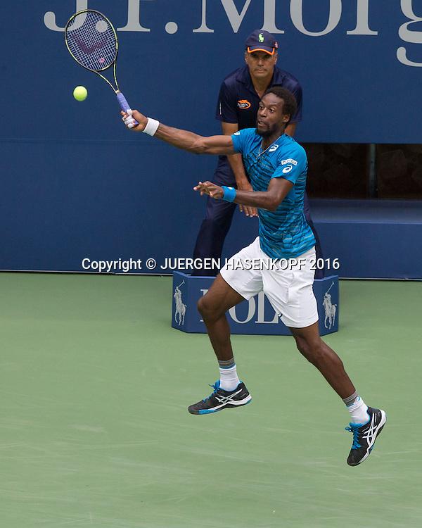 GAEL MONFILS (FRA), von oben<br /> <br /> Tennis - US Open 2016 - Grand Slam ITF / ATP / WTA -  USTA Billie Jean King National Tennis Center - New York - New York - USA  - 6 September 2016.