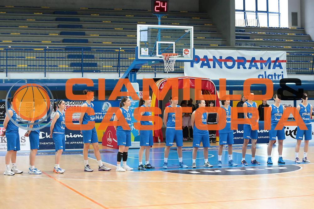 DESCRIZIONE : Frosinone amichevole 2012-2013 Italia femminile Bulgaria<br /> GIOCATORE : team<br /> CATEGORIA : pre game<br /> SQUADRA : Italia<br /> EVENTO : amichevole 2012-2013 <br /> GARA : Italia femminile Bulgaria<br /> DATA : 25/05/2013<br /> SPORT : Pallacanestro <br /> AUTORE : Agenzia Ciamillo-Castoria/ M.Simoni<br /> Galleria : Lega Basket A 2012-2013  <br /> Fotonotizia :  Frosinone amichevole 2012-2013 Italia femminile Bulgaria<br /> Predefinita :