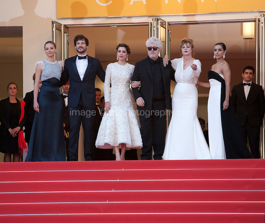 The cast at the gala screening for the film Julieta at the 69th Cannes Film Festival, Tuesday 17th May 2016, Cannes, France. Photography: Doreen Kennedy