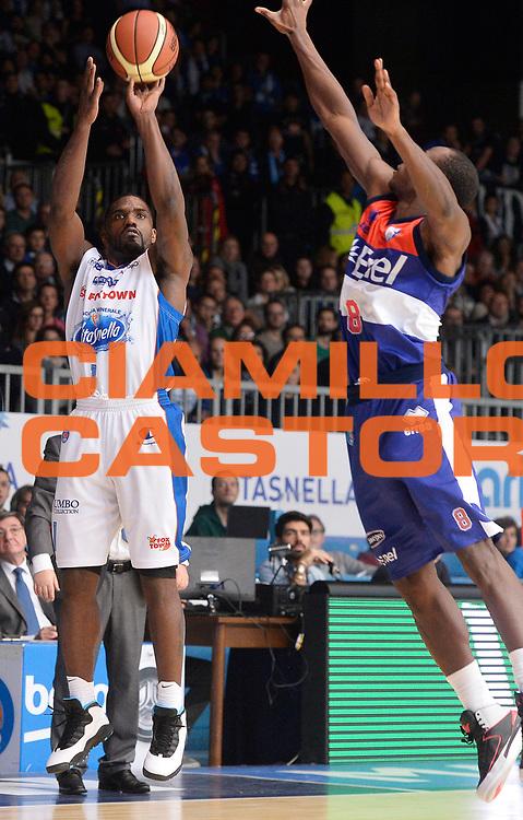 DESCRIZIONE : Cantu' Lega A 2014-2015 Acqua Vitasnella Cantu' Enel Brindisi<br /> GIOCATORE : Darius Johnson-Odom<br /> CATEGORIA : tiro three points<br /> SQUADRA : Acqua Vitasnella Cantu'<br /> EVENTO : Campionato Lega A 2014-2015<br /> GARA : Acqua Vitasnella Cantu' Enel Brindisi<br /> DATA : 29/11/2014<br /> SPORT : Pallacanestro<br /> AUTORE : Agenzia Ciamillo-Castoria/R.Morgano<br /> GALLERIA : Lega Basket A 2014-2015<br /> FOTONOTIZIA : Cantu' Lega A 2014-2015 Acqua Vitasnella Cantu' Enel Brindisi<br /> PREDEFINITA :