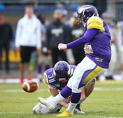 20.06.2015, Hohe Warte, Wien, AUT, AFL, AFC Vikings Vienna vs Prag Panthers, im Bild PAT mit Dominik Bundschuh (AFC Vienna Vikings, WR/QB, #3) und  Christopher Kappel (AFC Vienna Vikings, K, #2) // during the Austrian Football League game between AFC Vikings Vienna and Prague Panthers at the Hohe Warte, Wien, Austria on 2015/06/20. EXPA Pictures © 2015, PhotoCredit: EXPA/ Thomas Haumer