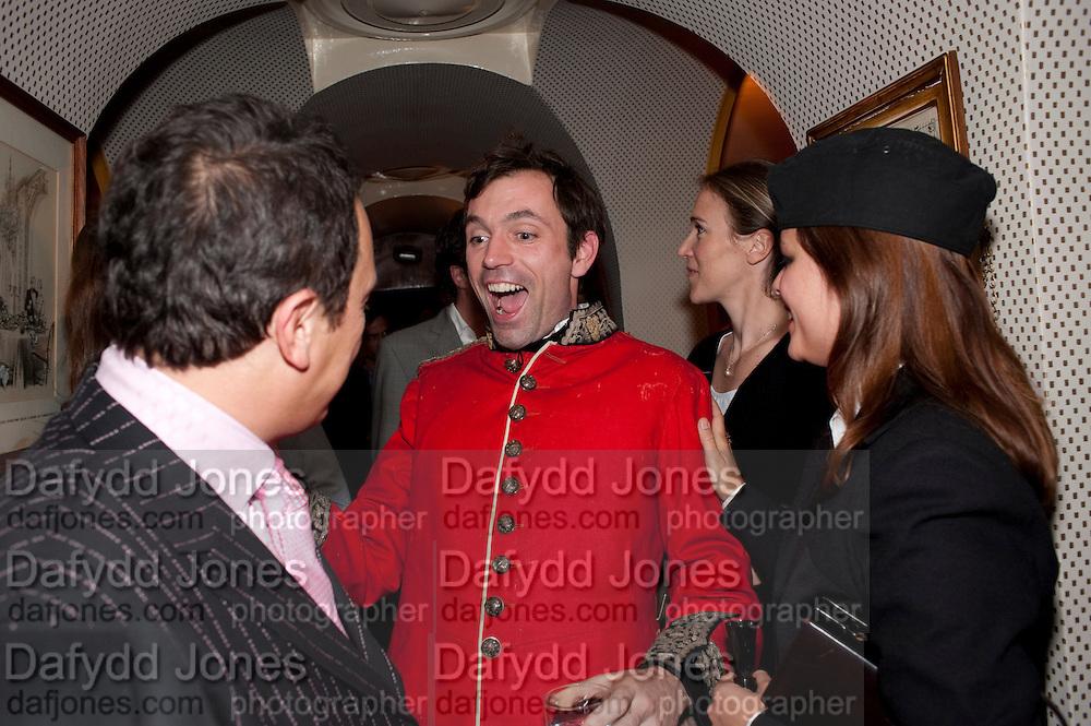 Detmar Blow; Tom Sykes; Mara Castilho, BOOK PARTY FOR BLOW BY BLOW BY DETMAR BLOW AND TOM SYKES. ANNABEL'S. BERKELEY SQ. LONDON. 21 SEPTEMBER 2010. -DO NOT ARCHIVE-© Copyright Photograph by Dafydd Jones. 248 Clapham Rd. London SW9 0PZ. Tel 0207 820 0771. www.dafjones.com.