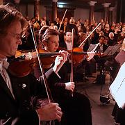 Concert Johannes Passion Grote Kerk Weesp.violist, stemmen, muziek, muziekinstrument, voorbereiding