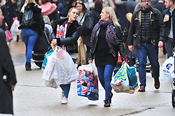 © Licensed to London News Pictures.20/12/2017.<br /> Bromley, UK.<br /> Christmas shoppers out in force in Bromley High Street, Bromley.<br /> Photo credit: Grant Falvey/LNP