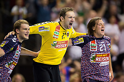 Berlin, Deutschland, 17.05.2015:<br />Handball EHF Pokal Finale 2014 / 2015 - Fuechse Berlin - HSV Hamburg - EHF CUP Finals 2014/15.<br /><br />Jubel nach Abpfiff: v.li. Paul Drux (Füchse #95), Torhüter / Torhueter Petr Stochl (Füchse #71), Mattias Zachrisson (Füchse #21) *** Local Caption *** © pixathlon
