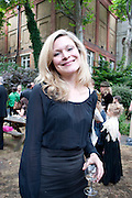 HERMIONE EYRE, Sebastian Horsley funeral. St. James's church. St. James. London afterwards in the church garden. July 1 2010. -DO NOT ARCHIVE-© Copyright Photograph by Dafydd Jones. 248 Clapham Rd. London SW9 0PZ. Tel 0207 820 0771. www.dafjones.com.
