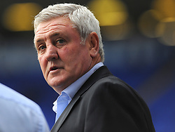 Aston Villa manager Steve Bruce looks on - Mandatory by-line: Nizaam Jones/JMP - 29/10/2017 - FOOTBALL - St Andrew's Stadium - Birmingham, England - Birmingham City v Aston Villa - Sky Bet Championship
