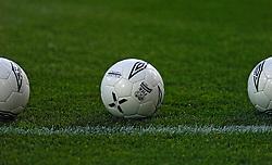10-03-2005 VOETBAL: UEFA CUP: OLYMPIACOS PIREAUS-NEWCASTLE UNITED: ATHENE<br /> In een beladen wedstrijd wint Newcastle met 3-1 van het griekse Olympiacos - <br /> &copy;2005-WWW.FOTOHOOGENDOORN.NL