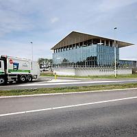 Nederland, Schiedam , 4 juli 2012..NV Irado in Schiedam is een veelzijdig bedrijf. Irado zamelt huishoudelijk afval in voor 4 gemeenten, beheert de openbare ruimte voor Schiedam en levert een scala aan diensten voor lokale overheden en het midden- en kleinbedrijf..NV Irado in Schiedam is een veelzijdig bedrijf. Irado zamelt huishoudelijk afval in voor 4 gemeenten, beheert de openbare ruimte voor Schiedam en levert een scala aan diensten voor lokale overheden en het midden- en kleinbedrijf...Foto:Jean-Pierre Jans