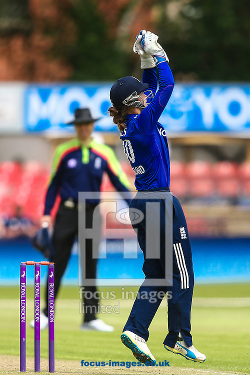 Amy Jones of England keeping wicket during the Royal London One Day Series match at Fischer County Ground, Leicester<br /> Picture by Andy Kearns/Focus Images Ltd 0781 864 4264<br /> 21/06/2016