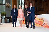 Koningin Maxima bij uitreiking Familiebedrijven Award