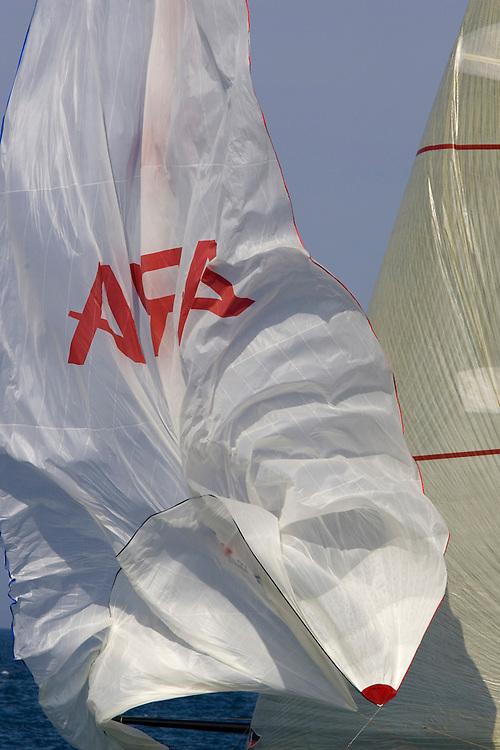 30/04/07 Louis Vuitton Cup 2007 Valencia, Spain, Round Robin 2, Flight 1.Areva Challenge (FRA) v +39 Challenge (ITA)