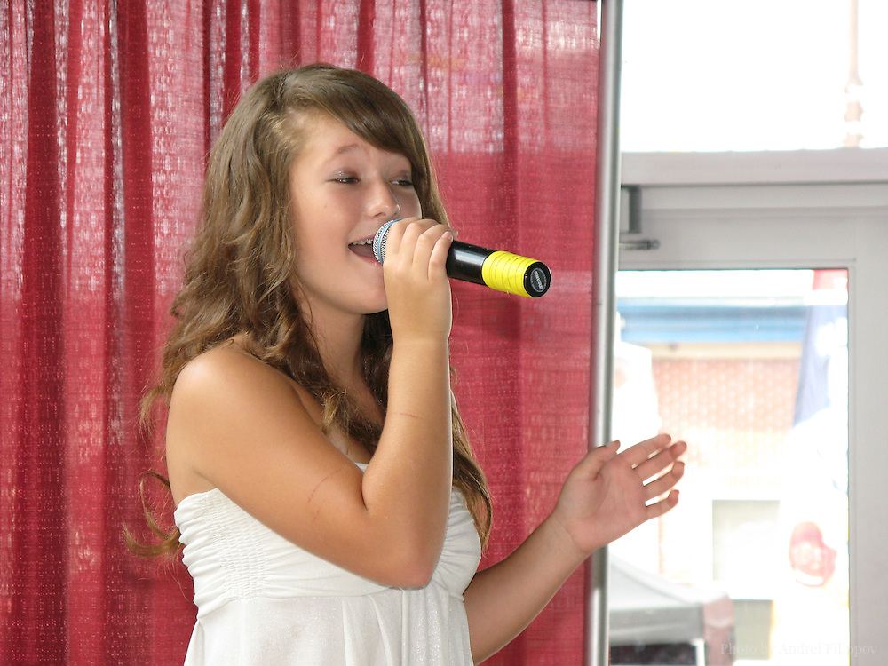 Kira Isabella performs in the finals of The Stars On The Rise competition at SuperEX Ottawa on August 25, 2007. Kira finished second in vocals.