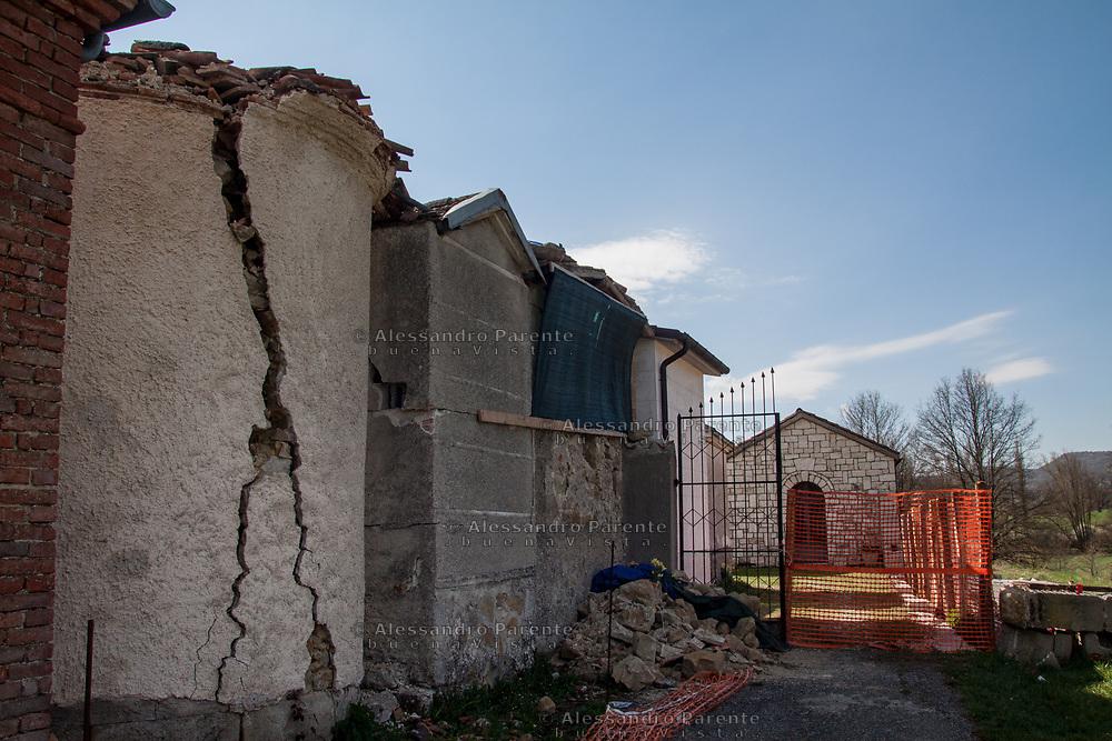 Il cimitero di Torrita ha subito seri danni strutturali.  Sisma centro Italia 2016