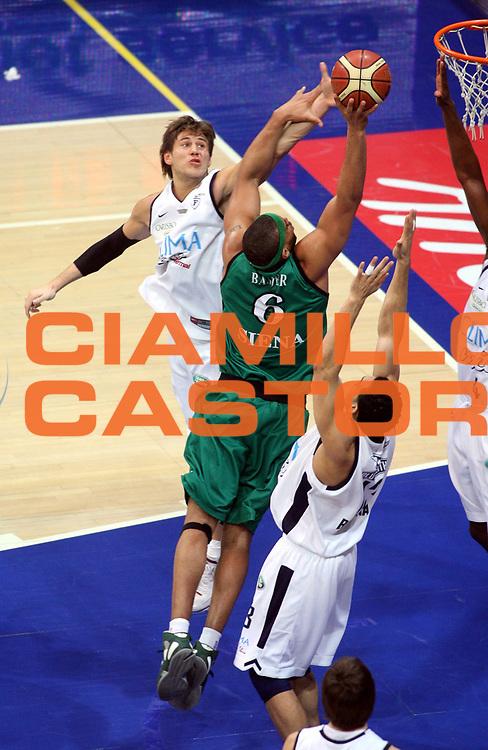 DESCRIZIONE : Bologna Lega A1 2006-07 Climamio Fortitudo Bologna Montepaschi Siena <br />GIOCATORE : Mancinelli Baxter<br />SQUADRA : Climamio Fortitudo Bologna<br />EVENTO : Campionato Lega A1 2006-2007 <br />GARA : Climamio Fortitudo Bologna Montepaschi Siena <br />DATA : 27/01/2007 <br />CATEGORIA : Tecnica Stoppata<br />SPORT : Pallacanestro <br />AUTORE : Agenzia Ciamillo-Castoria/G.Ciamillo