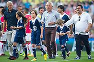 EINDHOVEN, afscheid Mark van Bommel, PSV - Team Bommel, seizoen 2013-2014, 18-07-2013, Philips Stadion, Bert van Marwijk (M) met zijn kleinkinderen, Fred Rutten (L).