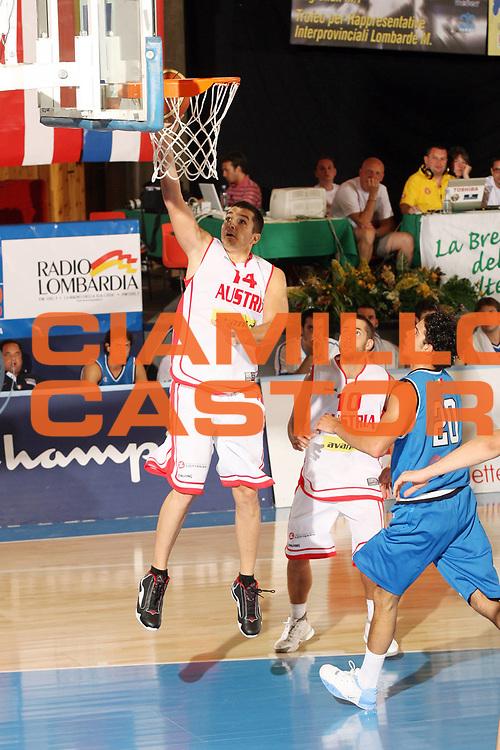 DESCRIZIONE : Bormio Torneo Internazionale Gianatti Italia Austria <br /> GIOCATORE : Stjepan Stazic<br /> SQUADRA : Austria <br /> EVENTO : Bormio Torneo Internazionale Gianatti <br /> GARA : Italia Austria <br /> DATA : 31/07/2007 <br /> CATEGORIA : Tiro<br /> SPORT : Pallacanestro <br /> AUTORE : Agenzia Ciamillo-Castoria/G.Cottini