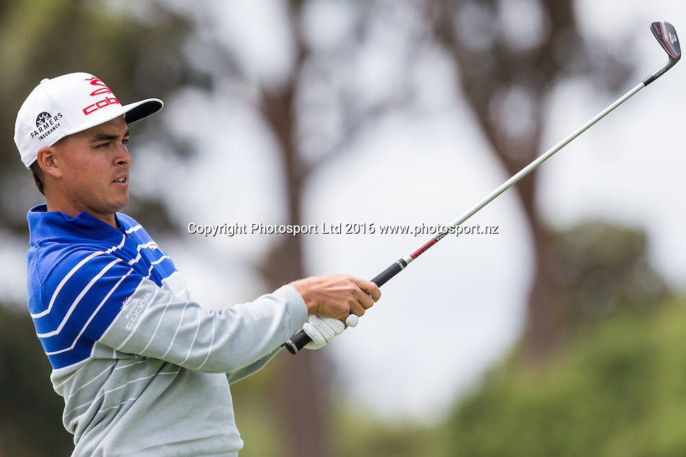 Richie Fowler (USA)  plays  a iron shot during the round 1 of the World Cup of Golf at Kingston Heath Golf Club, Melbourne Australia. Thursday 24th November 2016. Copyright Photo Brendon Ratnayake / www.photosport.nz