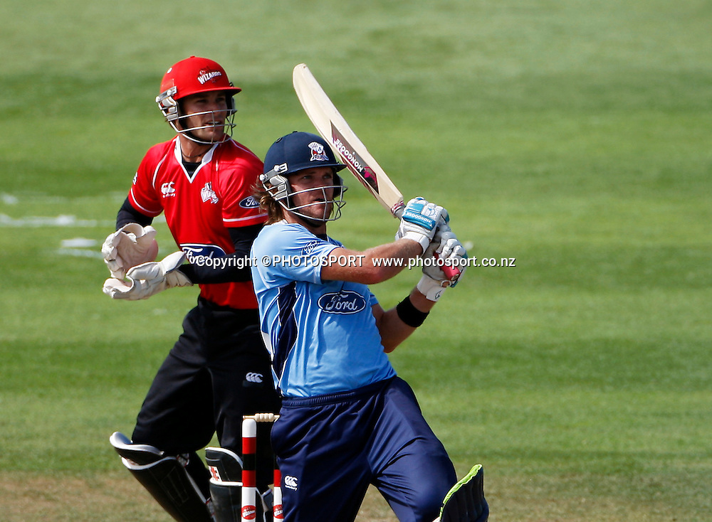 Auckland batsman Lou Vincent during his innings with Canterbury wicket keeper  Reece Young. Canterbury Wizards v Auckland Aces in the One Day Competition, Preliminary Semi Final. QEII Park, Christchurch, New Zealand. Sunday, 06 February 2011. Joseph Johnson / PHOTOSPORT.