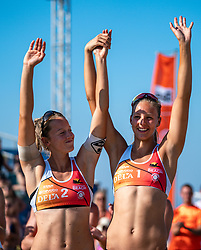 25-08-2019 NED: DELA NK Beach Volleyball, Scheveningen<br /> Last day NK Beachvolleyball / Katja Stam #1, Julia Wouters #2