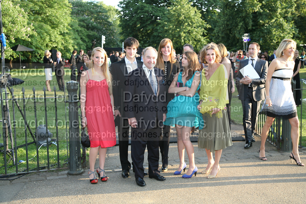 Lord and Lady Palumbo and family. Petra in pink. The Summer Party in association with Swarovski. Co-Chairs: Zaha Hadid and Dennis Hopper, Serpentine Gallery. London. 11 July 2007. <br />