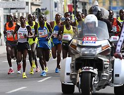 18.04.2010, Wien, AUT, Vienna City Marathon 2010, im Bild Spitzengruppe der Männer mit dem späteren Sieger Sugut Henry aus Kenia,  EXPA Pictures © 2010, PhotoCredit: EXPA/ T. Haumer / SPORTIDA PHOTO AGENCY