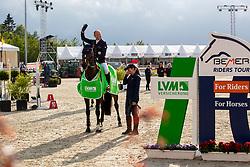 JUNG Michael (GER), fischerChelsea<br /> Hagen - Horses and Dreams 2019 <br /> Siegerehrung<br /> Preis der LVM Versicherung - CSI4* Quali. BEMER-RIDERS TOUR-Wertung<br /> 27. April 2019<br /> © www.sportfotos-lafrentz.de/Stefan Lafrentz