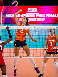 07-07-2017 NED: World Grand Prix Netherlands - Dominican Republic, Apeldoorn<br /> First match of first weekend of group C during the World Grand Prix / Robin de Kruijf #5